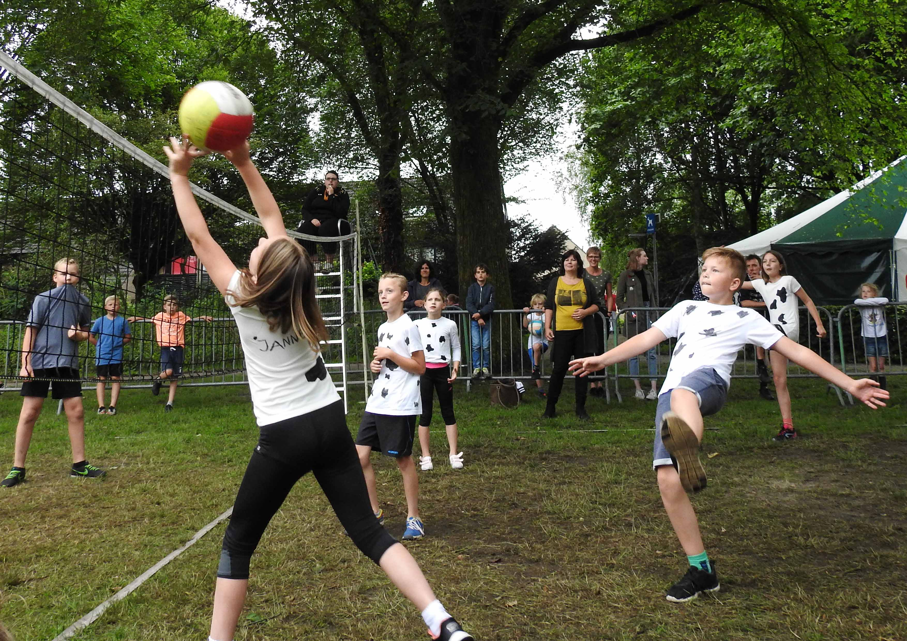 2017-06-29_BB_Straatvolleybal (03)