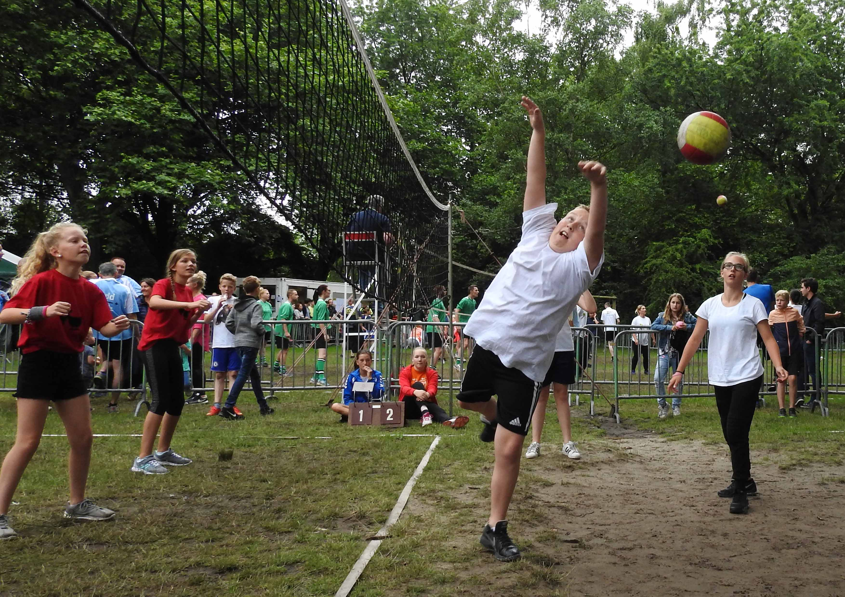2017-06-29_BB_Straatvolleybal (08)