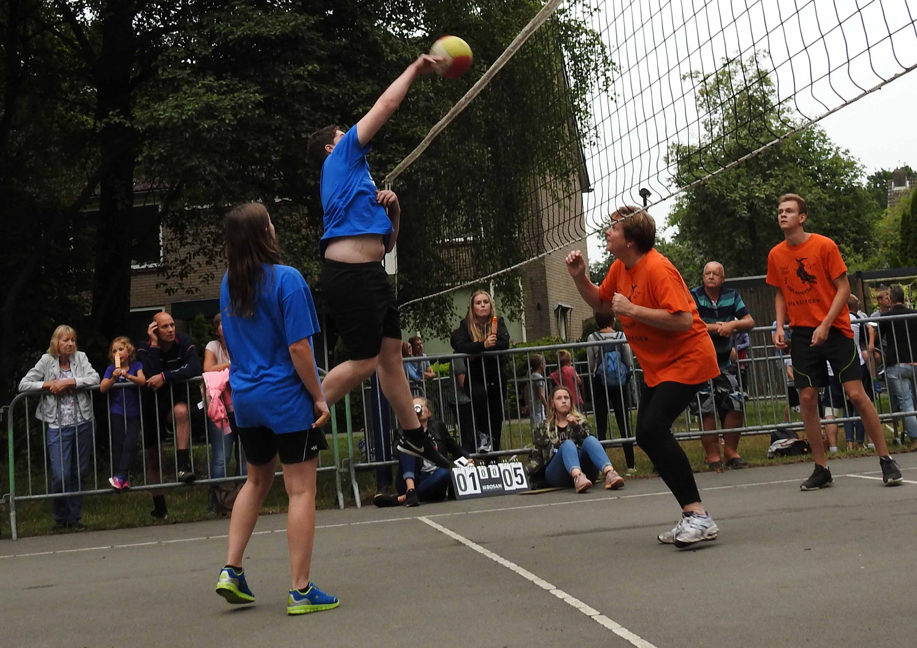2017-06-29_BB_Straatvolleybal (29)