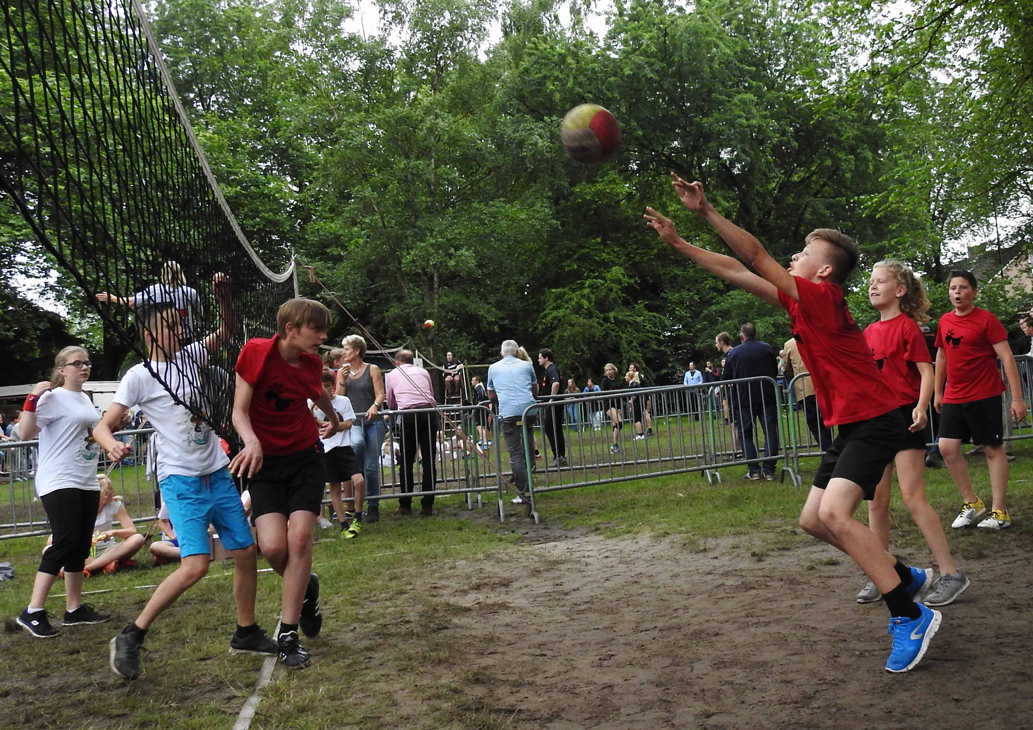 2017-06-29_BB_Straatvolleybal (43)